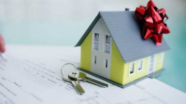 Дарственная на дом: разбираем плюсы и минусы
