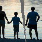 С кем остаются дети при разводе родителей: законы РФ и судебная практика
